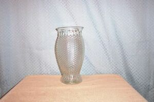 "9.5"" DIAMOND PANELED FTD CLEAR GLASS VASE 1984 MINT"