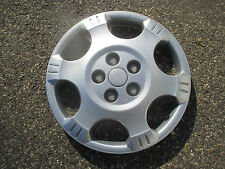 one 2002 to 2010 Saturn Vue 16 inch bolt on hubcap wheel cover