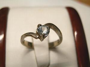 Natural aquamarine gemstone in sterling silver...2.2 grams