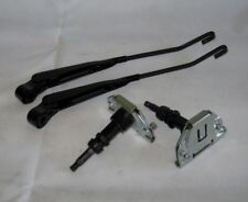 Land Rover Defender 90, 110, Pair of Wiper Spindles & Arms DKU500010, DKB000060