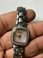 Ladies Silver Tone Fossil ES-9966 Analog Watch With Date Feature