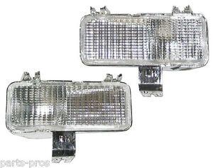 New Turn Signal Light Lamp PAIR / FOR 1981-82 CHEVROLET & GMC C/K