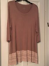 LOGO Lori Goldstein 3/4 Sleeve Pinkish Beige Shirt w Lace Hem Sz 3X Excellent!
