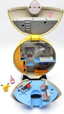 🔥 RARE Jakks Pokemon Yellow Pokeball Hospital transforming playset w/ 2 figures