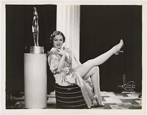Nightclub Performer Ann Metzger Vintage 1930s Murray Korman Pin-Up Photograph