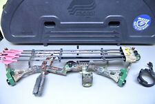 """Bear Young Gun Compound Bow 22""""D-70# w/hard case, arrows and Quick Release"""
