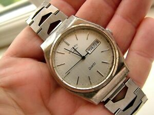 1980s Gents Vintage & Classic Rotary Quartz Day Date Watch. Works. Silver Tone
