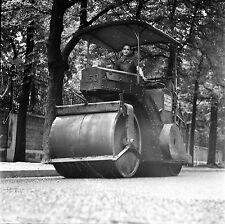 PARIS c. 1950 - Rouleau Compresseur  - Négatif 6 x 6 - N6 P15