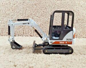 ERTL 1/25 Scale Diecast Bobcat 325 Compact Excavator Construction Equipment