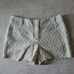 Ann Taylor LOFT textured polka dot shorts waist size 4