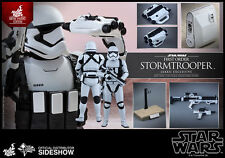 Hot Toys Star Wars 7 The Force Awakens First Order Stormtrooper Jakku Exclusive