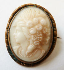 Broche camée porcelaine 19e siècle cameo profil de femme avec des fruits