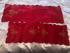 Red Christmas Table Runner & 2 Dining Placemats Home Decorations Xmas Holiday