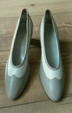 Vintage leather shoes, size 6.5, beige, cream