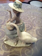 Lladro figurine 'Goose Trying To Eat' girl with grapes and goose RETIRED #5034