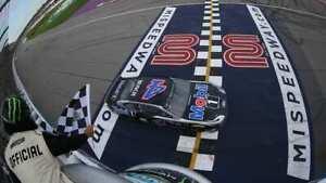 NASCAR SUPERSTAR KEVIN HARVICK WINS AT MICHIGAN 8X10 PHOTO W/BORDERS