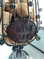 Decorative Wrought Iron Wine Wall Rack Glass Holder With