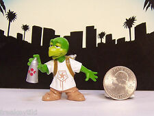 NEIGHBORHOOD RASCALS Urban Animal Figurine Speedy the Turtle Diorama Homies