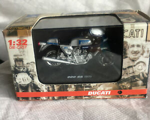 New-Ray 1975 Ducati 900 SS Motorcycle 1:32 Scale