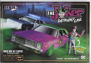 As Featured in BATMAN, The JOKER Getaway Car w/ Joker Figure in 1/25 890 ST
