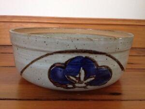"Vtg Handmade Japanese Stoneware Gray Floral Serving Bowl Dish Pottery 9.25"" Wide"