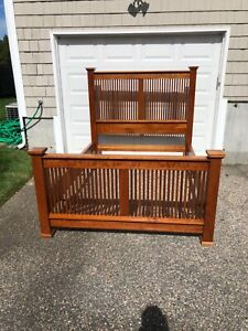 """STICKLEY Queen Size Spindled Cherry Mission """"Prairie"""" Bed"""