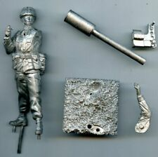 Barton Miniatures 90mm Royal Artillery CEFO & Javelin White Metal Figure #BM/H19