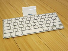 Apple iPad Keyboard Dock A1359 30 pin Accessory Lightly Used Docking Station