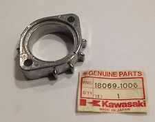 Ghiera collettore scarico - HOLDER,EXHAUST PIPE - Kawasaki Z650 NOS: 18069-1006