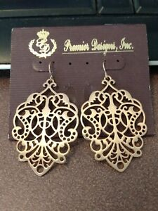 Premier Designs gold filigree style dangle earrings, beautiful