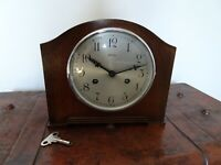 Antique 1930's Bentima Oak Mantel Clock with Key & Pendulum (Perivale Movement)