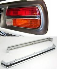 Datsun 240Z Tail Lamp Center Chrome Molding Set 12-J4217