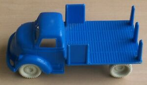 VINTAGE 1960's MARX FREIGHT TERMINAL STATION SHED FARM OPEN STAKE BED TRUCK
