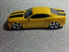 Jada 2010 Camaro SS Scale 1:32 Diecast Toy Car Yellow / Black Stripes