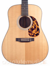 Martin HD-28 Acoustic Guitar, Natural (Pre-Owned)
