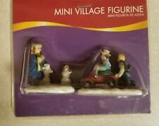 Christmas Mini Village Figurines 1