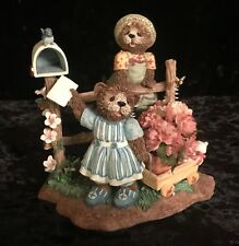 """Fitz and Floyd Honeybourne Hollow """"Sending My Love"""" Easter Bears and bees figure"""