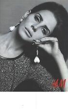 PUBLICITE ADVERTISING  2012  H & M  pret à porter dont l'égerie est LANA DEL REY