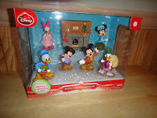 Mickey Mouse Mickey's Christmas Carol 7 Piece Holiday Figurine Collector Set
