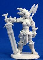 1x AMIRI BARBARE ICONIC -BONES REAPER figurine miniature jdr rpg barbarian 89005