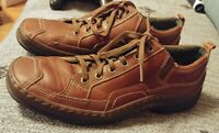 Clarks casual comfort lace up brown leather athletic shoes men's size 8.5 8 1/2