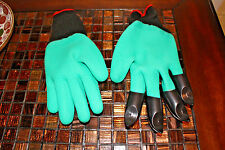 Garden Claw Gloves Gardening Planting Digging 4 ABS Plastic Claws Rubber Latex