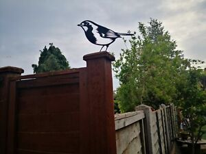 Robin Garden bird Silhouette Metal Fence Topper