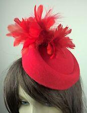 Cappello rosso feltro FORTINO Piuma Fascinator con Fiore Matrimonio Nuziale da corsa vintage