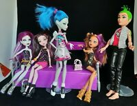 Monster high Deuce, Clawdeen, Kiomi, Ghoulia, Draculaura Clothes n accessories