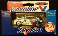 1/64 Classic Carlectables #34 Garth Tander's 2000 Valvoline Racing Commodore