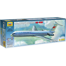 ZVEZDA 7013 Ilyushin IL-62M 1:144 Aircraft Model Kit