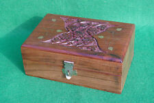 A HIGHLY DECORATED CARVED HINGED WOOD BOX IN HARDWOOD WITH BRASS INLAYS #2