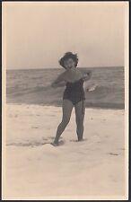 YZ0470 Ritratto di donna in costume nel mare - Foto d'epoca - Ferroli - Varazze