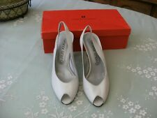Charles Jourdan Vintage Size 7 White Open Toe  shoes new
